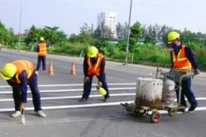 Hướng dẫn thi công vạch kẻ đường bằng sơn dẻo nhiệt